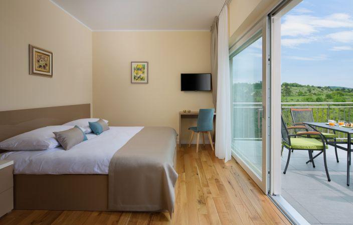 Comfort room 104