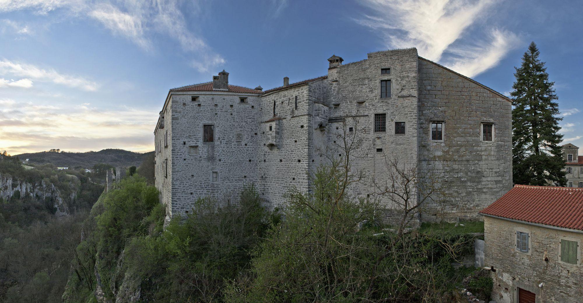 castlepazin